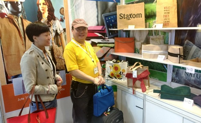 Buyers at NJB stall at Mega Show, Part-1, Hong Kong (20 - 23 Oct'17)