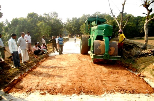 Compaction of Road treated with Jute Geotextile - Kalna, Burdwan, West Bengal