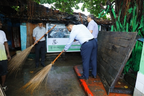 Swachata Hee Sewa – Cleanliness Drive in the Labour line, Calcutta Jute Mill Co. Ltd. on 20 September 2018 in presence of Shri A Madhukumar Reddy, Joint Secretary (Jute), Ministry of Textiles
