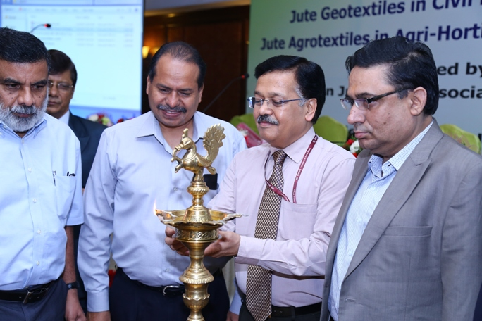 Lighting the Lamp in Inaugural Session for Workshop on Jute Geotextile at Chennai on 20.01.2017 Organised By National Jute Board (NJB) & Indian Jute Mills Association (IJMA)