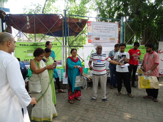 Spreading consciousness for environmental concerns on June 5,2018 to commemorate the World Environment Day. National Jute Board has associated with IJMA and NGOs for a day-long awareness schedule to create awareness across the Kolkata