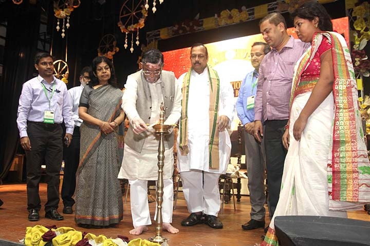 Lighting of lamp by dignitaries at National Seminar on Jute Diversified Products at Kolkata