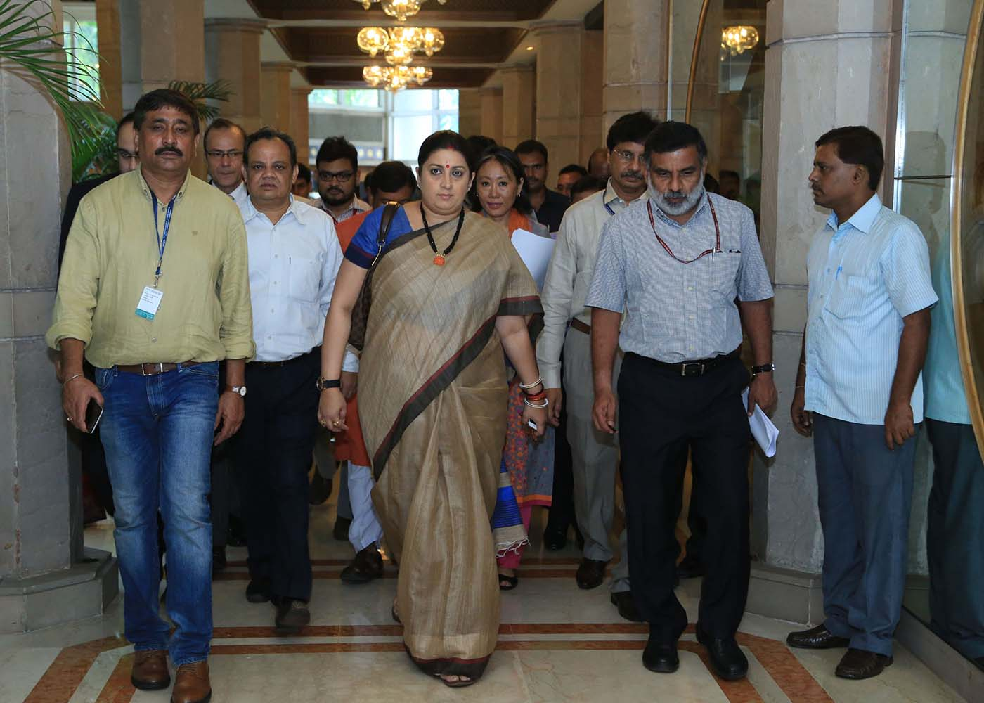 Hon'ble Union Minister of Textiles Smt. Smriti Zubin Irani, on her way to attend the Jute sector Stakeholders' meeting on 6th September 2016 at Taj Bengal, Kolkata